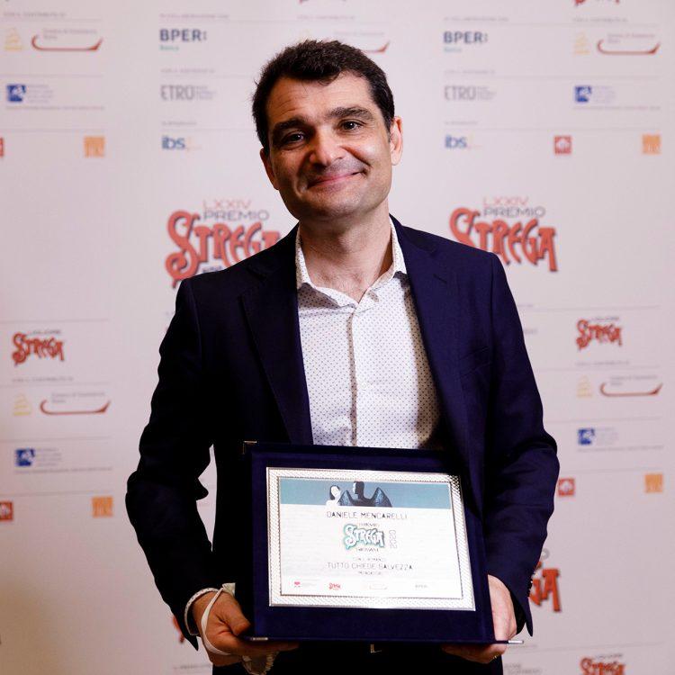 Daniele Mencarelli, vincitore del Premio Strega Giovani 2020 con Tutto chiede salvezza
